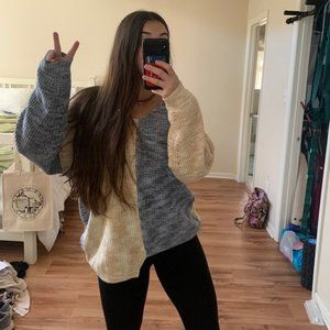 🔥MOVING SALE🔥NEW Urban Outfitters Split Sweater
